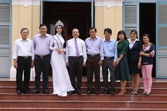 Hoa hậu Đại sứ Du lịch thế giới Phan Thị Mơ về thăm Tiền Giang - Ảnh 1.