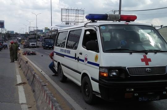 TP HCM: 2 người bị cán chết trong 2 vụ tai nạn cách nhau 100 m - Ảnh 1.