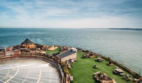 Ngỡ ngàng trước 21 khách sạn đẹp-độc-lạ nhất địa cầu - Ảnh 28.