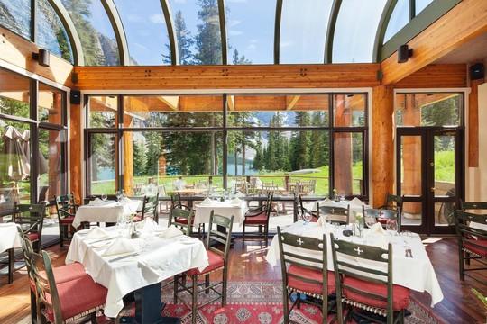 10 khu nghỉ dưỡng ven hồ tuyệt vời - Ảnh 2.