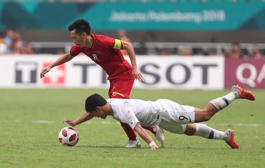 Olympic Việt Nam - Hàn Quốc 1-3: Đáng khen tinh thần quả cảm! - Ảnh 1.