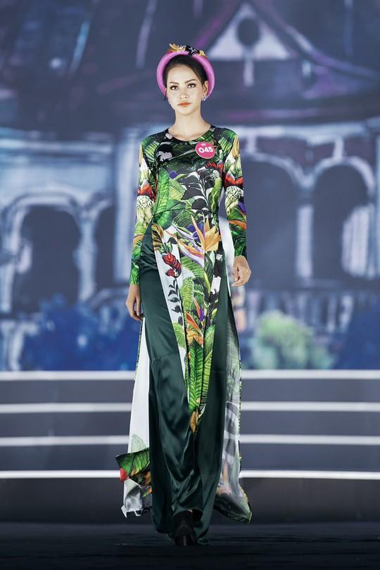 Thí sinh Hoa hậu Việt Nam 2018 duyên dáng với áo dài Ướp hương - Ảnh 8.