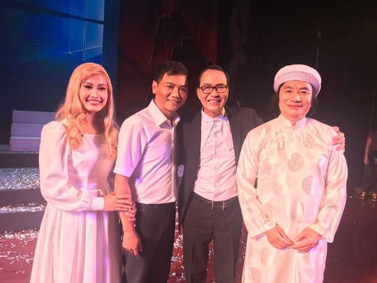Tu choi lam giam khao Minh Vuong hoa than cu Nguyen Sinh Sac