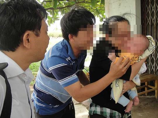 Căng thẳng vụ giăng lưới 'cất vó' nhóm bắt cóc trẻ 3 tháng tuổi - Ảnh 1.