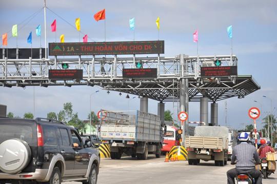 Đã miễn giảm phí, BOT Ninh Lộc vẫn phải xả trạm vì ách tắc - Ảnh 2.