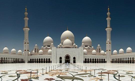 Loạt công trình chứng tỏ sự giàu có của UAE - Ảnh 1.