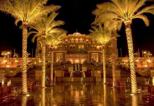 Loạt công trình chứng tỏ sự giàu có của UAE - Ảnh 3.