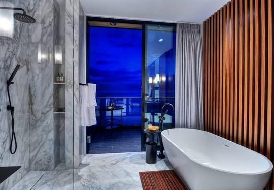 Ngôi nhà 2 tầng tuyệt đẹp nằm ven biển - Ảnh 9.