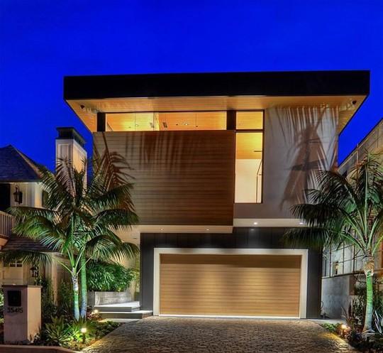 Ngôi nhà 2 tầng tuyệt đẹp nằm ven biển - Ảnh 10.