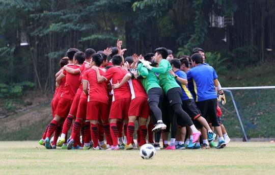 Olympic Việt Nam trước trận tranh HCĐ: Trang sử mới cho bóng đá Việt - Ảnh 1.