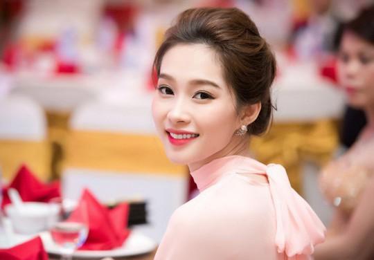 Ngắm không gian sống của 3 hoa hậu nổi tiếng nhất showbiz Việt - Ảnh 14.