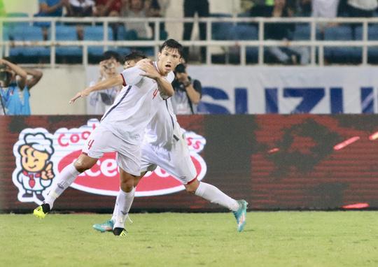 Văn Hậu ghi bàn đẹp mắt, Olympic Việt Nam sớm vô địch - Ảnh 5.