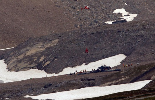 Thụy Sĩ: Hai máy bay rơi liên tiếp, hơn 20 người thiệt mạng - Ảnh 1.