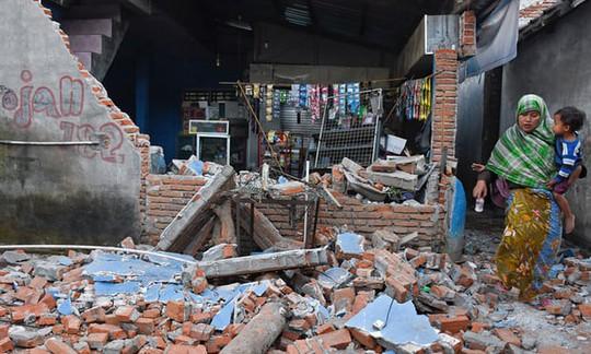 Động đất Indonesia: Gần 100 người thiệt mạng - Ảnh 13.