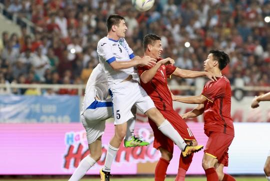 Tuyệt phẩm của Văn Đức giúp Olympic Việt Nam vô địch với thành tích bất bại - Ảnh 1.