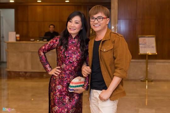 Sao Việt dự đám cưới con gái NSND Hồng Vân ở Sài Gòn - Ảnh 11.