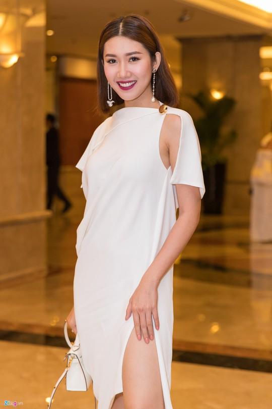 Sao Việt dự đám cưới con gái NSND Hồng Vân ở Sài Gòn - Ảnh 3.
