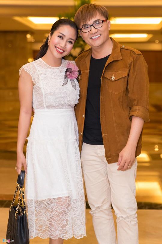Sao Việt dự đám cưới con gái NSND Hồng Vân ở Sài Gòn - Ảnh 4.
