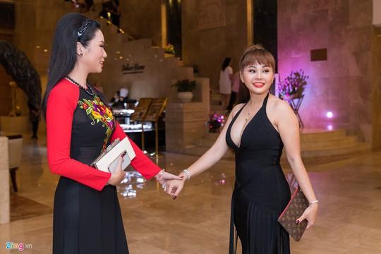 Sao Việt dự đám cưới con gái NSND Hồng Vân ở Sài Gòn - Ảnh 9.