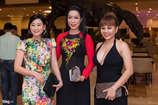 Sao Việt dự đám cưới con gái NSND Hồng Vân ở Sài Gòn - Ảnh 10.
