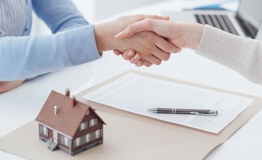 Làm sao để tránh bị lừa khi ủy quyền cho người khác bán nhà? - Ảnh 1.