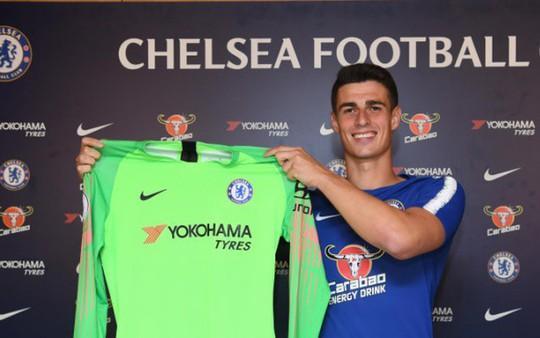 Chính thức: Chelsea bán Courtois, ra mắt thủ môn đắt nhất thế giới - Ảnh 2.