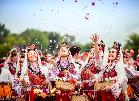 Thung lũng hoa hồng thơ mộng giữa núi đồi Bulgaria - Ảnh 15.