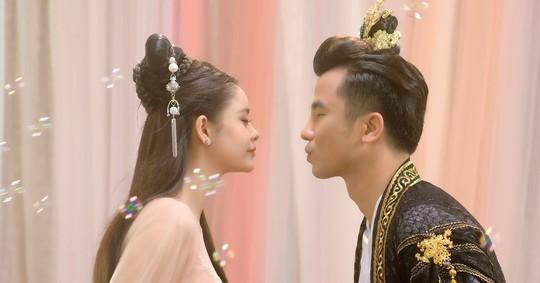 Trương Quỳnh Anh khiến fan bất ngờ với hình ảnh trong MV cổ trang mới - Ảnh 1.