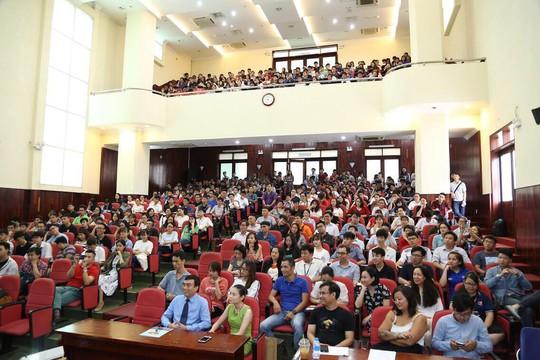 Sinh viên hào hứng giao lưu có chuyên gia Google - Ảnh 1.