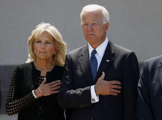 Ông Trump không tham gia các nghi lễ tưởng niệm ông McCain - Ảnh 2.