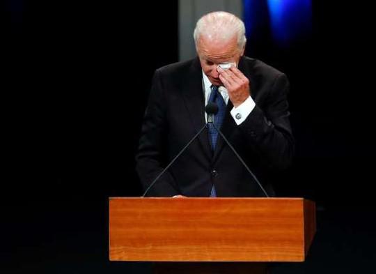 Ông Trump không tham gia các nghi lễ tưởng niệm ông McCain - Ảnh 4.
