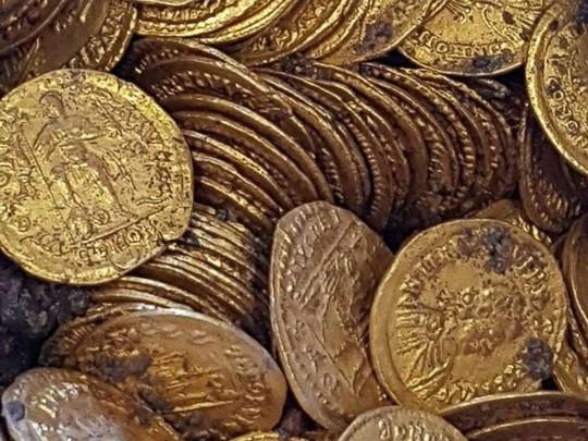 Phát hiện 2 tảng đá lẫn vàng trị giá 11 triệu USD - Ảnh 5.
