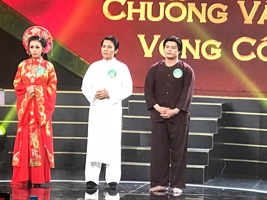 Chuong vang vong co Tiec nuoi chia tay 2 giong ca trien vong