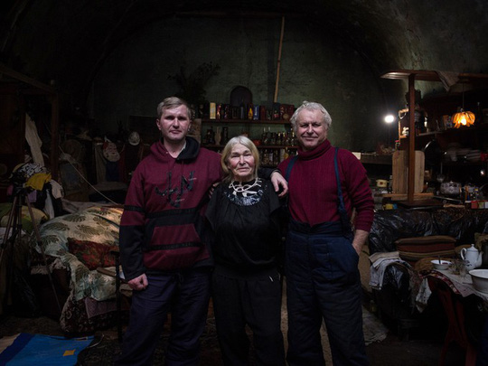 Gia đình Robinson thời hiện đại trên đảo hoang ở Nga - Ảnh 1.