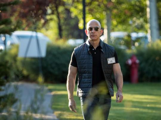 Giàu nhất thế giới, Jeff Bezos vẫn rửa bát sau mỗi bữa tối - Ảnh 11.