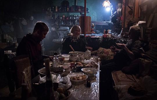Gia đình Robinson thời hiện đại trên đảo hoang ở Nga - Ảnh 5.