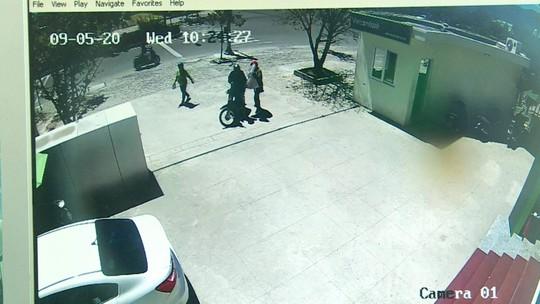 Thu hồi thêm 730 triệu đồng trong vụ cướp ngân hàng ở Khánh Hòa - Ảnh 3.