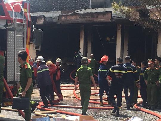 Cháy dữ dội tại ngôi nhà liên quan đến đất công sản dính vụ án Vũ nhôm - Ảnh 17.
