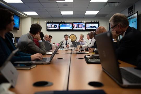 Mỹ: Gần 30 tàu hải quân rời căn cứ tránh siêu bão - Ảnh 6.