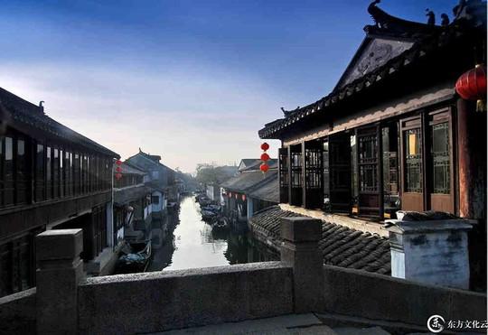 10 cổ trấn Trung Quốc đẹp như phim phải đi thu này - Ảnh 1.