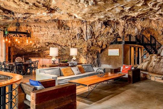 Khám phá ngôi nhà trong hang dành cho các triệu phú USD - Ảnh 3.