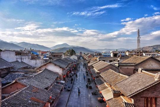 10 cổ trấn Trung Quốc đẹp như phim phải đi thu này - Ảnh 3.