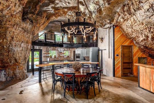 Khám phá ngôi nhà trong hang dành cho các triệu phú USD - Ảnh 4.