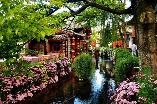 10 cổ trấn Trung Quốc đẹp như phim phải đi thu này - Ảnh 4.