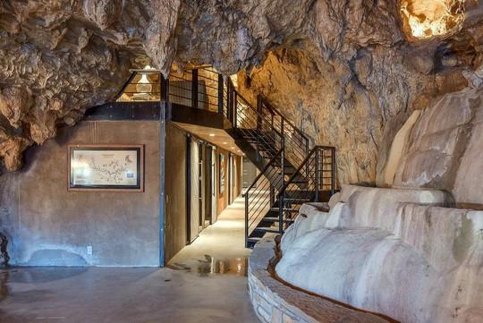 Khám phá ngôi nhà trong hang dành cho các triệu phú USD - Ảnh 5.