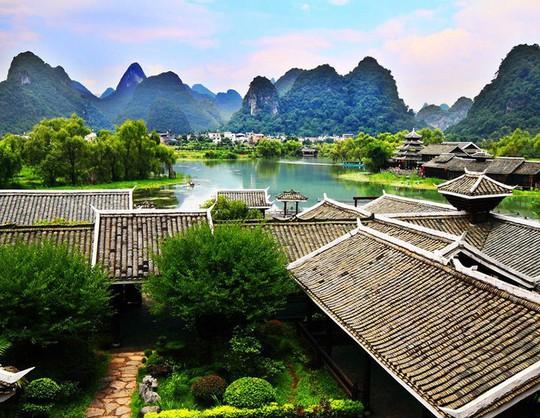 10 cổ trấn Trung Quốc đẹp như phim phải đi thu này - Ảnh 6.