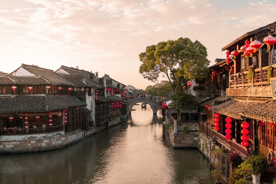 10 cổ trấn Trung Quốc đẹp như phim phải đi thu này - Ảnh 8.