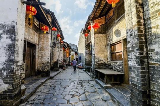 10 cổ trấn Trung Quốc đẹp như phim phải đi thu này - Ảnh 9.