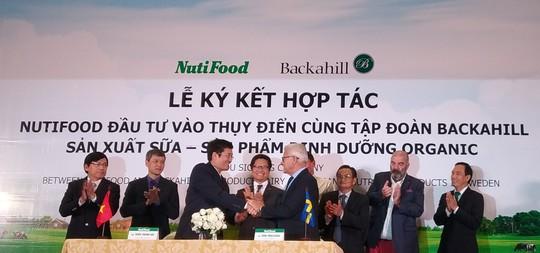Tỉ phú bất động sản Thụy Điển hợp tác với NutiFood sản xuất sữa - Ảnh 2.