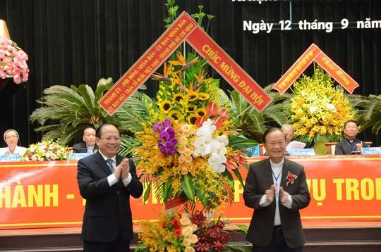 Linh mục Phan Khắc Từ tái đắc cử Chủ tịch Uỷ ban Đoàn kết Công giáo Việt Nam TP HCM - Ảnh 1.